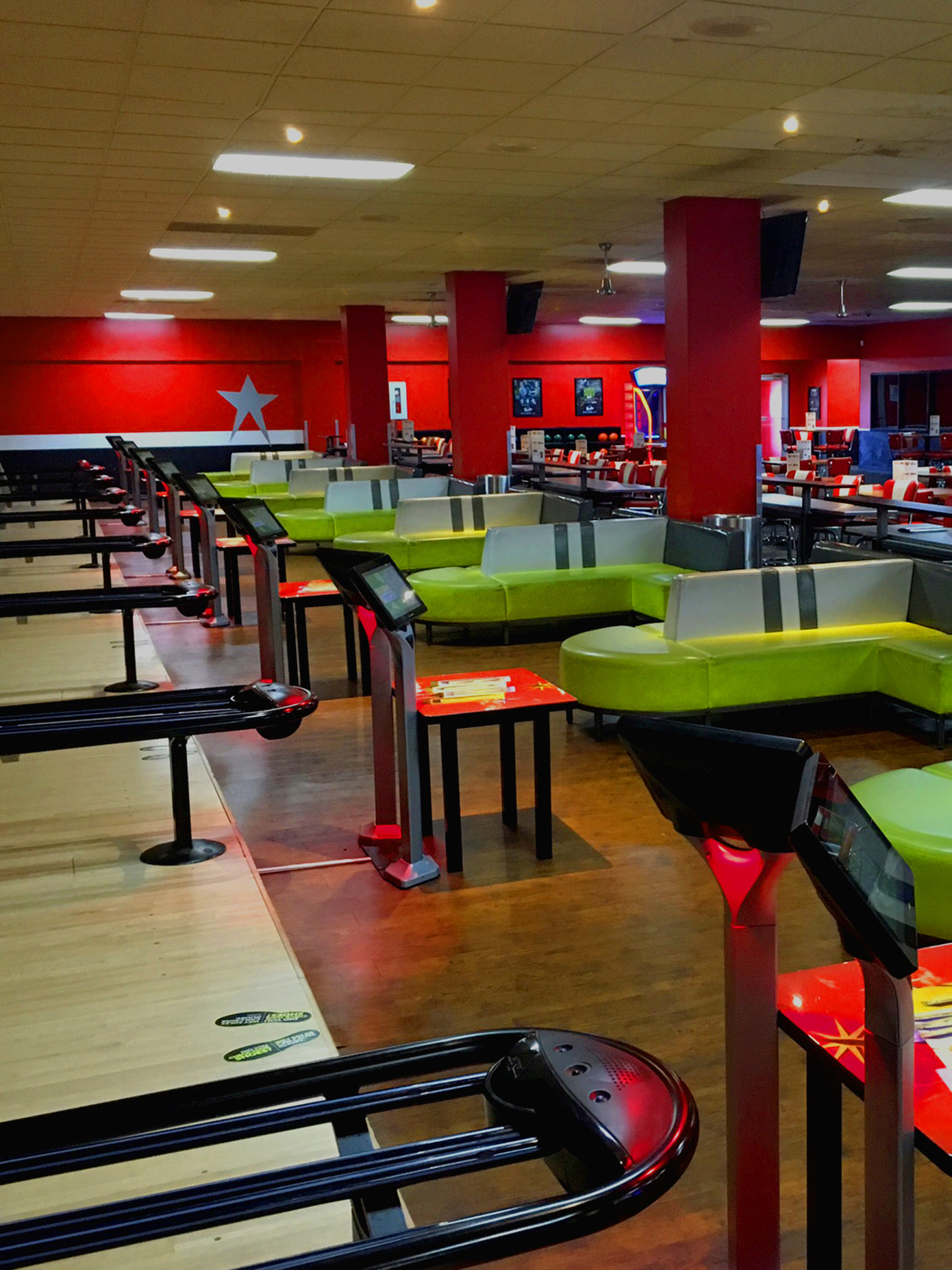Bowling Alley & Party Venue in Midland | Bowlero