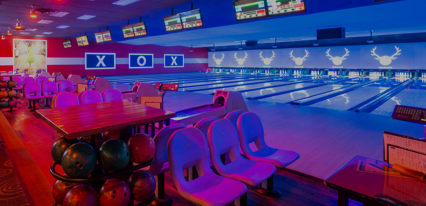 Bowling Alley & Lounge Area in Queens | Bowlero