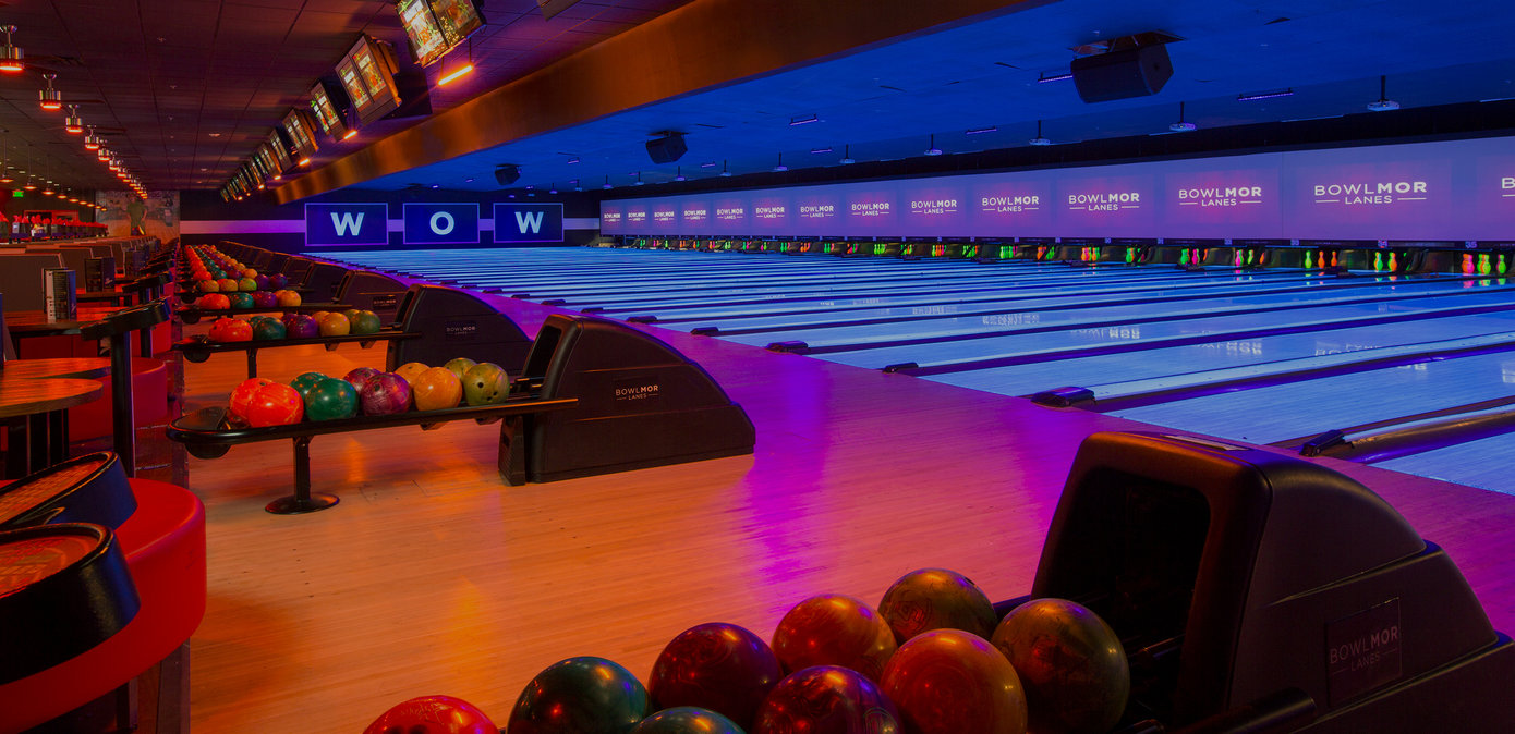 Bowling Alley & Lounge Area in Houston | Bowlmor